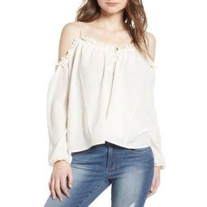 Leith cream cold shoulder top with button detail